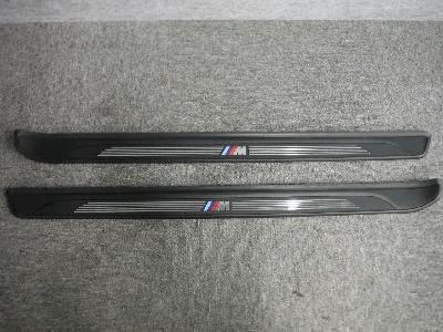 E82・BMW 135iクーペ/純正スカッフプレート