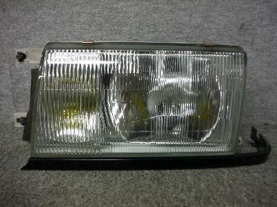 Y31・セドリック/左ヘッドライト