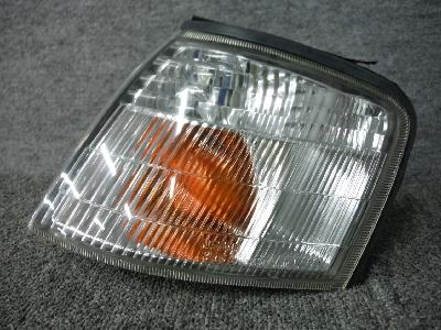 HP11・プリメーラー/純正・左クリアランスランプ