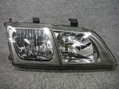 P11・プリメーラ/純正・右ヘッドライト