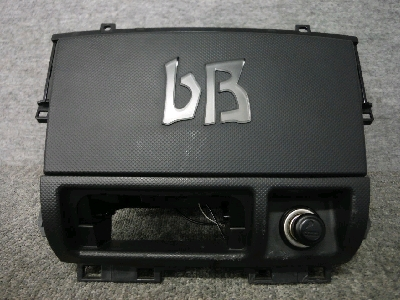 NCP3系・bB/インパネセンター部分小物入れ/イルミ付き
