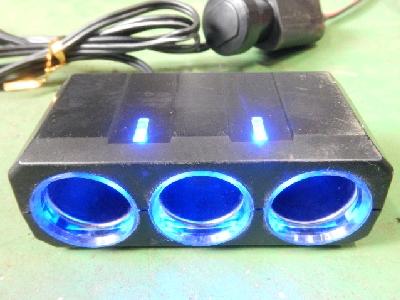 12V用/3連シガーソケット/LED内蔵型