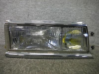 C33・ローレル/純正・右ヘッドライト